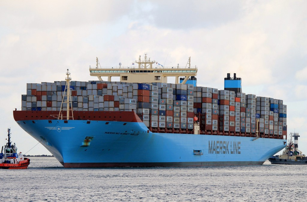 maersk_mc_kinney_moller-9619907-container_ship-8-168391